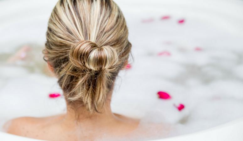 Healing-postpartum-herb-bath