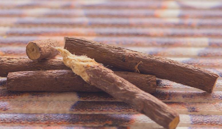 Gut-Healing-Herbal-Teas-Licorice
