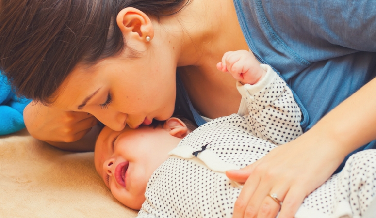 10 Ways a Breastfeeding Mama Can Help A Sick Baby