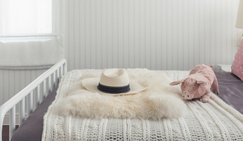 Set up your bedroom for sleep success. Get the best sleep ever applying these simple tips.